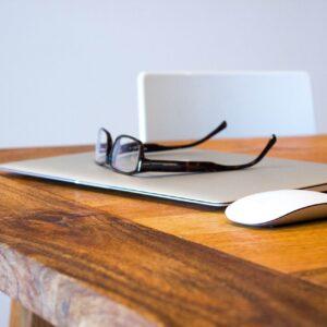 Qu'est-ce que l'identité numérique post-mortem et comment la gérer ?